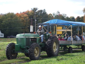 Pumpkin Walk & Hayride @ Graf Growers | Akron | Ohio | United States